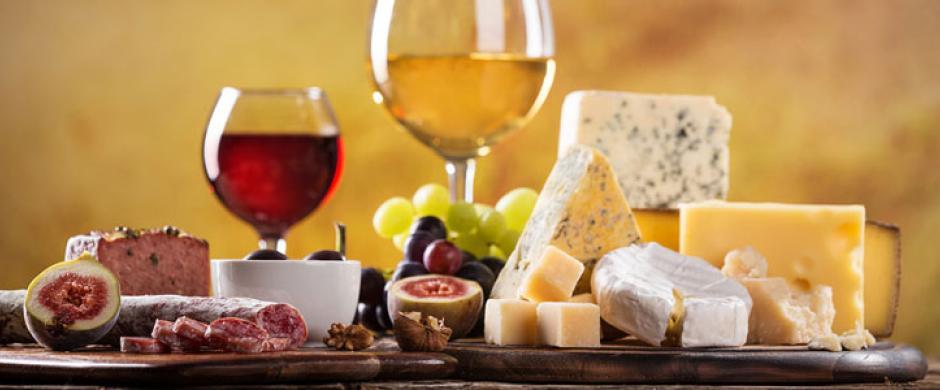 Wine Bars vs Coffeeshops: Discovering the secret of the wine bars' success